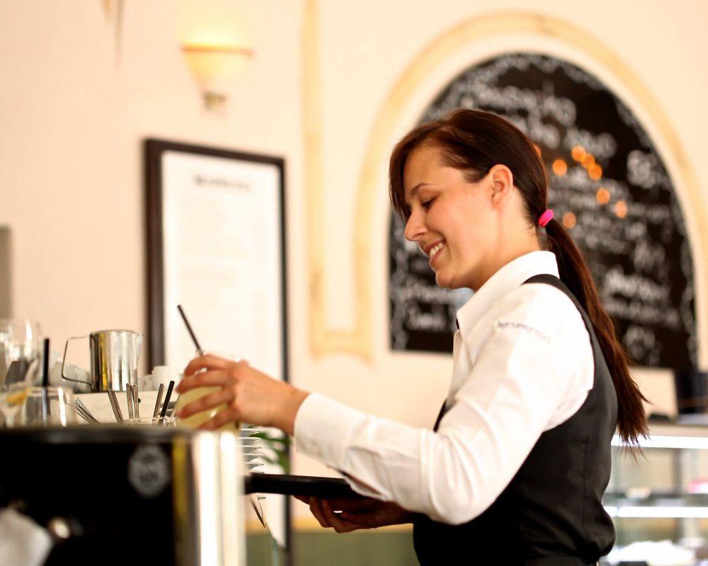 Kellnerin-Restaurant-Service